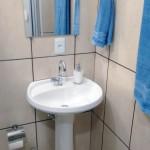Pia banheiro quarto da Pousada La Villa em Jaú